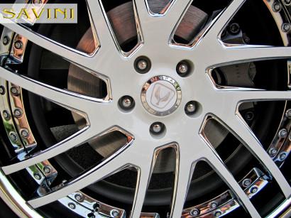 2014-white-hyundai-equus-savini-wheels-sv49-c-white-3.jpg