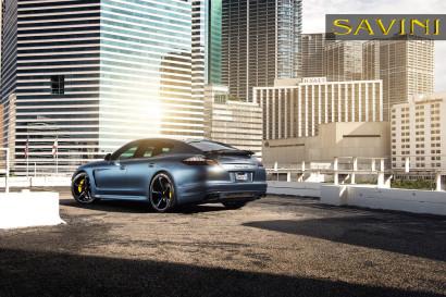 Сине-Porsche-Panamera-Turbo-Савини-кованые-колеса-SV32-C-вогнутая-Blue-Black-1.jpg