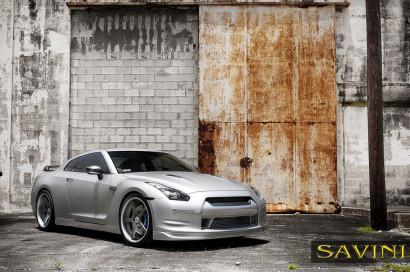 Matte-Silver-Nissan-GTR-Savini-Forged-Wheels-SV44-C-Concave-Carbon-Fiber-1.jpg