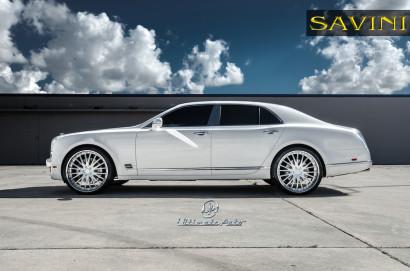 Weiß-Bentley-Mulsanne-Savini-Räder-BS5-Weiß-Polnisch-1.jpg