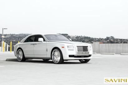 Weiß-Rolls-Royce-Ghost-Savini-Räder-Diamond-Serie-Prali-BR-2.jpg