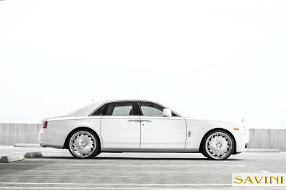 Weiß-Rolls-Royce-Ghost-Savini-Räder-Diamond-Serie-Prali-BR-4.jpg