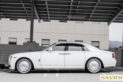 White-Rolls-Royce-Ghost-Savini-Räder-Diamond-Series-Prato-BR-1.jpg