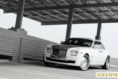 White-Rolls-Royce-Ghost-Savini-Räder-Diamond-Series-Prato-BR-3.jpg