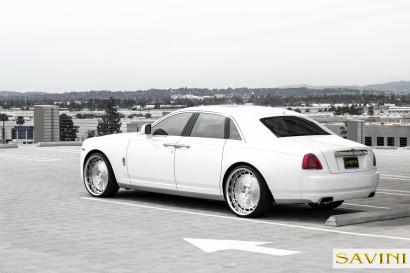 White-Rolls-Royce-Ghost-Savini-Räder-Diamond-Series-Prato-BR-5.jpg