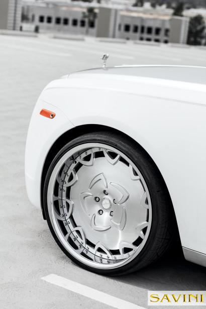 White-Rolls-Royce-Ghost-Savini-Räder-Diamond-Series-Prato-BR-8.jpg