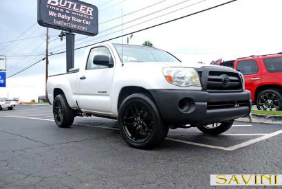 White-Toyota-Tacoma-Savini-Wheels-BM7-Matte-Black-1.jpg