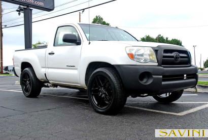 White-Toyota-Tacoma-Savini-Wheels-BM7-Matte-Black-4.jpg
