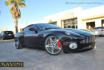 черно-Aston-Martin-Vanquish-Савини-кованые-колеса-sv10-с-щеткой-черно-1.jpg