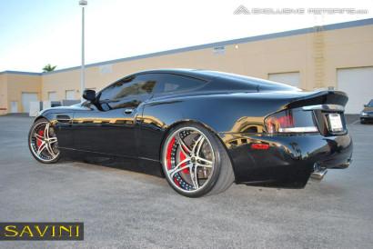 черно-Aston-Martin-Vanquish-Савини-кованые-колеса-sv10-с-щеткой-черно-3.jpg