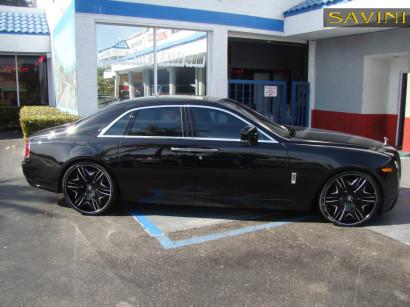 black-rolls-royce-ghost-savini-forged-wheels-sv36-c-concave-black-brushed-4.jpg