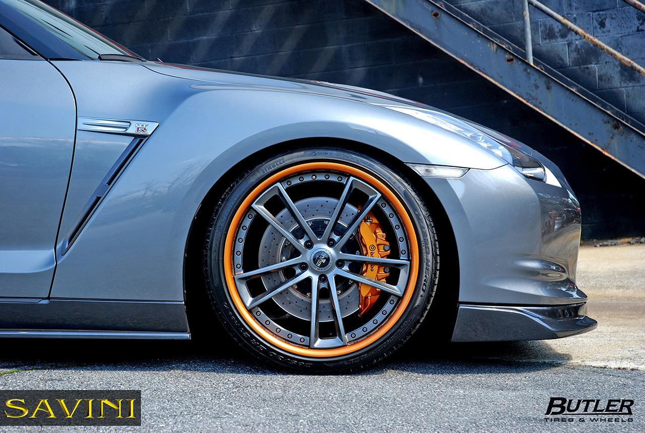 Grau-metallic-nissan-gtr-savini-geschmiedete Räder-sv51-c-konkav-grau-metallisch-orange (6)