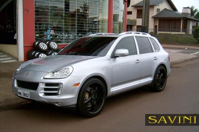 silver-porsche-cayenne-savini-forged-wheels-sv29-s-black-2.jpg
