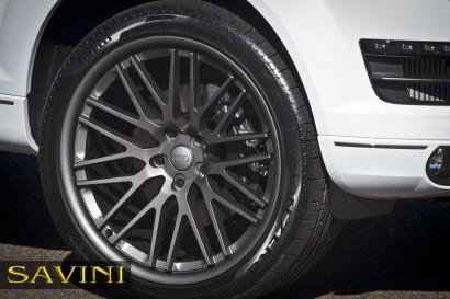 бело-Audi-q7-Савини-колеса-черный-ди-Forza-bm4-титан-4.jpg