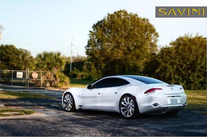 бело-Fisker-карма-Савини-кованые-колеса-sv37-с-вогнуто-черный-белый-4.jpg