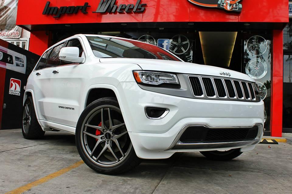 White Jeep Grand Cherokee Savini Wheels Black Di