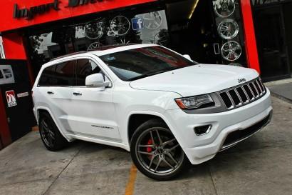 бело-джип гранд-Чероки-Савини-колеса-черный-ди-Forza-bm7-титан-3.jpg