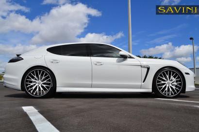 бело-порш-Panamera-Савини-кованые-колеса-sv42-с-вогнуто-белый-черный-5.jpg