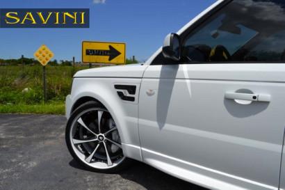 бело-спектр-ровер-спортивно-Савини-кованые-колеса-sv31-с-вогнуто-белый-черный-4.jpeg