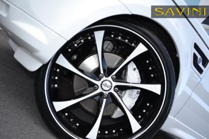 бело-спектр-ровер-спортивно-Савини-кованые-колеса-sv31-с-вогнуто-белый-черный-7.jpg
