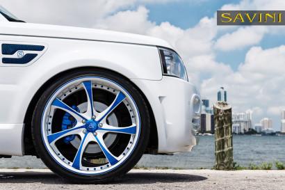 White-range-rover-sport-savini-geschmiedete Räder-sv31-c-konkav-weiß-blau-4.jpg