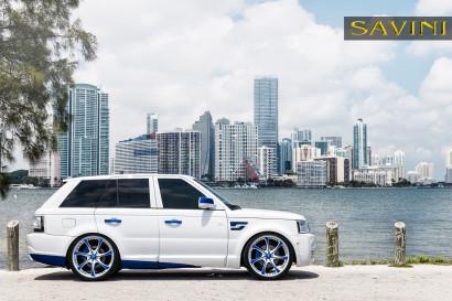 White-range-rover-sport-savini-geschmiedete Räder-sv31-c-konkav-weiß-blau-5.jpg