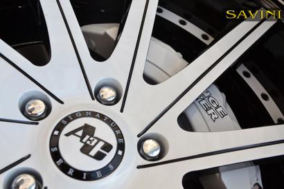 white-range-rover-sport-savini-forged-wheels-sv37-c-concave-white-black-9.jpg