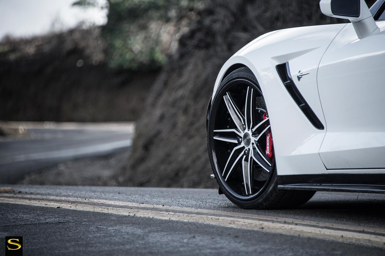 C7-Corvette-SV58C-White-Black-Carbon-Fiber-13
