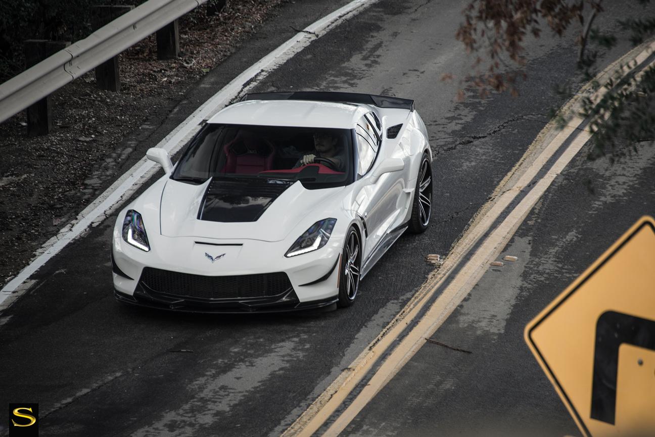 C7-Corvette-SV58C-White-Black-Carbon-Fiber-19