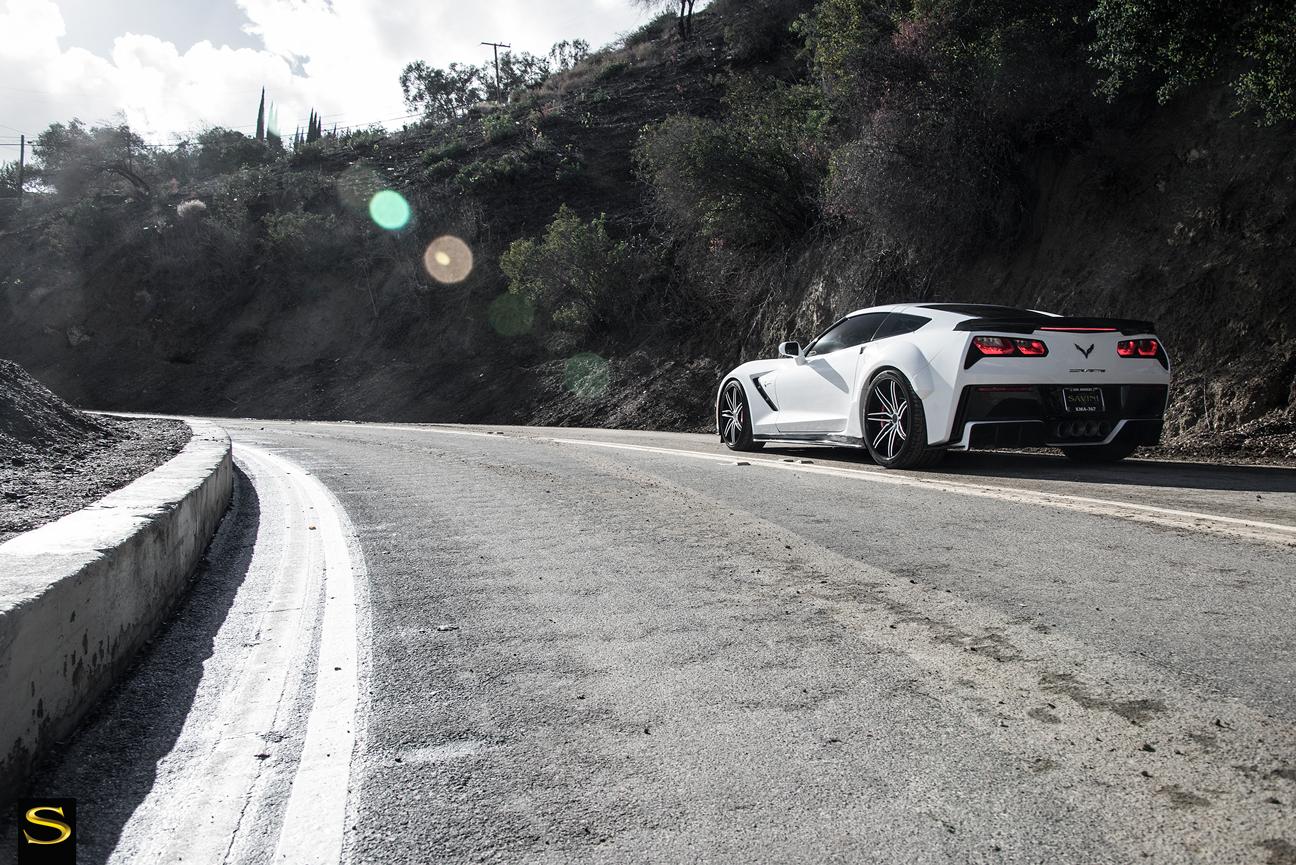 C7-Corvette-SV58C-White-Black-Carbon-Fiber-11