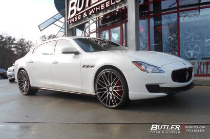 Бело-Maserati Quattroporte-Савини-Wheels-Black-ди-Forza-BM13-Обработанные-Black-11.jpg