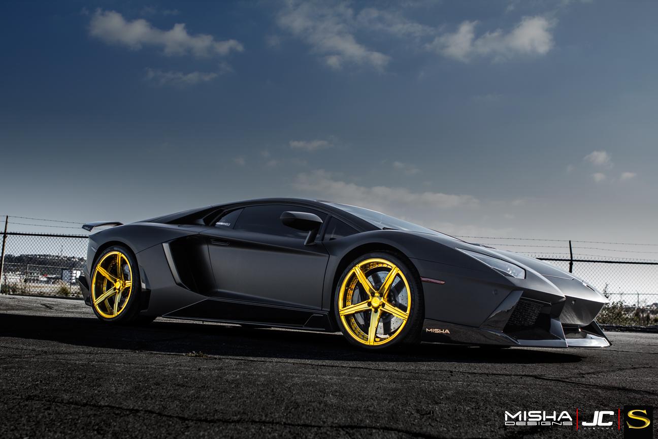 матовый-черно-ламборджини-Aventador-Савини-forgred-колеса-sv59d-высокие ногти-золото- (6)