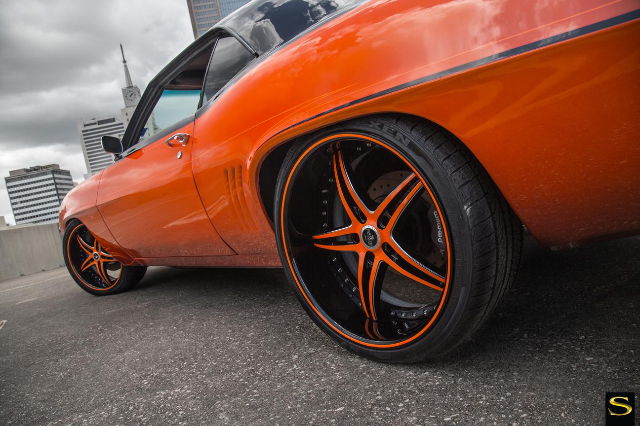 Savini-wheels-schwarz-di-forza-bs1-schwarz-mit-orange-Akzente-69-camaro-383- (8)