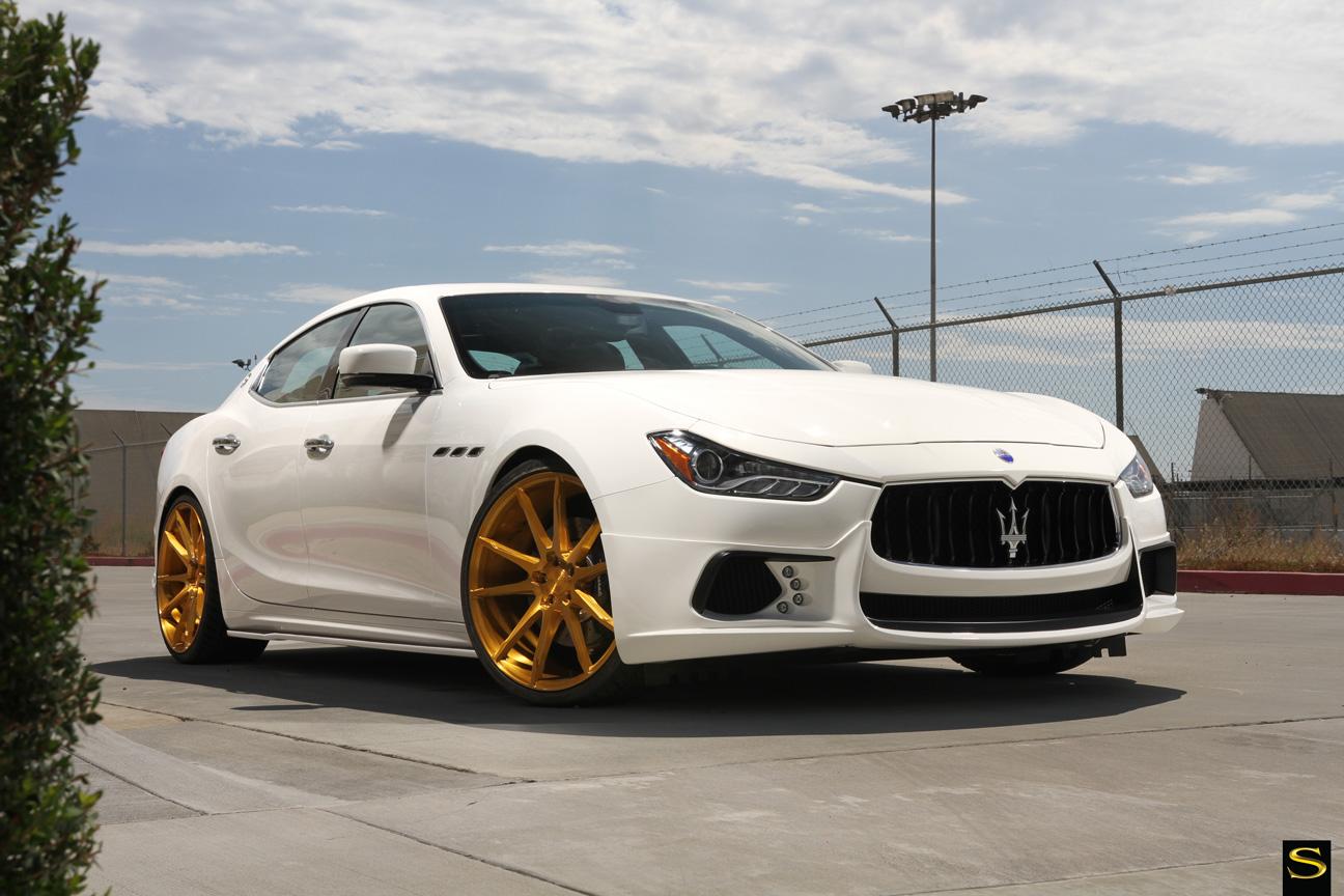 Savini Black di Forza BM12 с золотым покрытием Maserati Ghibli (9)