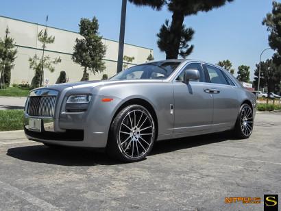 Savini-wheels-black-di-forza-bm9-bearbeitete-schwarz-grau-rollen-royce-ghost-nitrous-garage1.jpg
