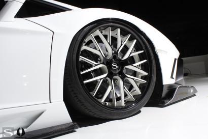 savini-wheels-savini-forged-sv65-XC-xtreme-concave-black-and-white-lamborghini-aventador-gt-white-aimgain-6.jpg
