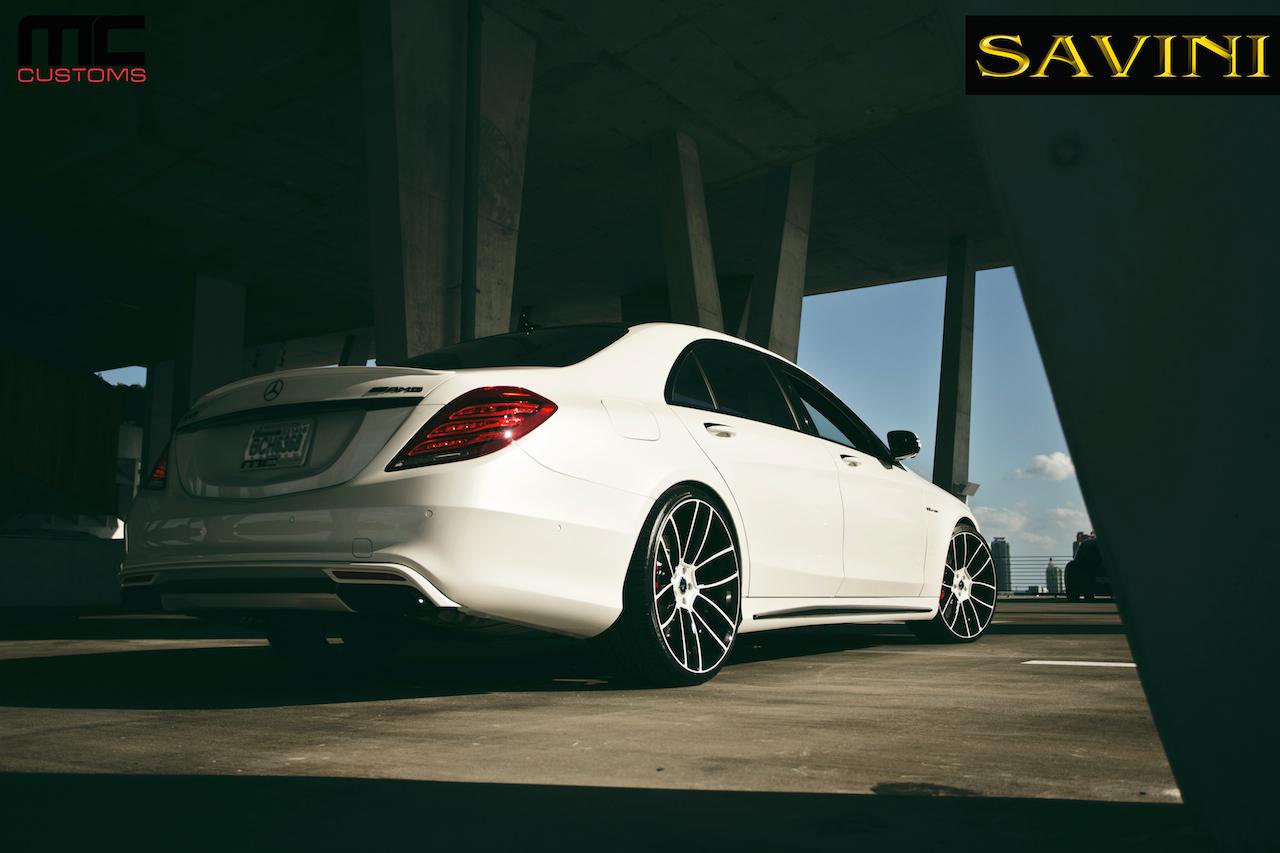 2014-white-mercedes-benz-s63-savini-wheels-sv52-d-duoblock-white-black-4