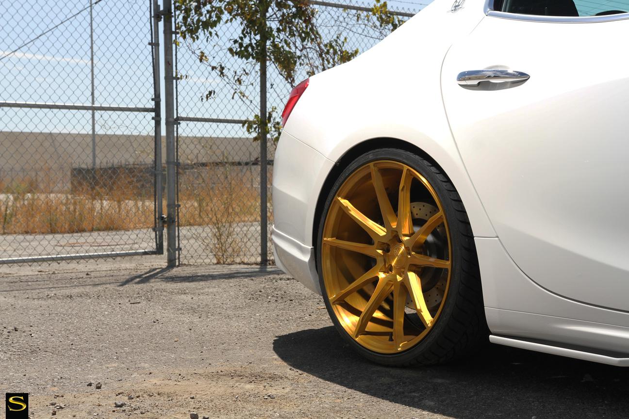 Savini Black di Forza BM12 brushed gold Maserati Ghibli (5)