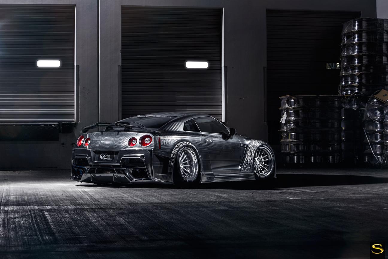 Savini-Black-di-Forza-BM9-L-brushed-with-chrome-step-lip-Kuhl-Nissan-GTR-by-V-(6)