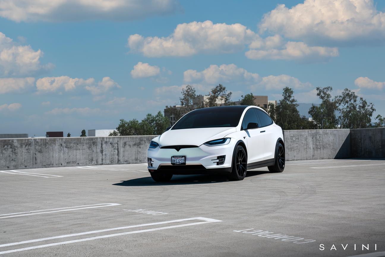 Tesla Model X | BM12 | Savini Wheels